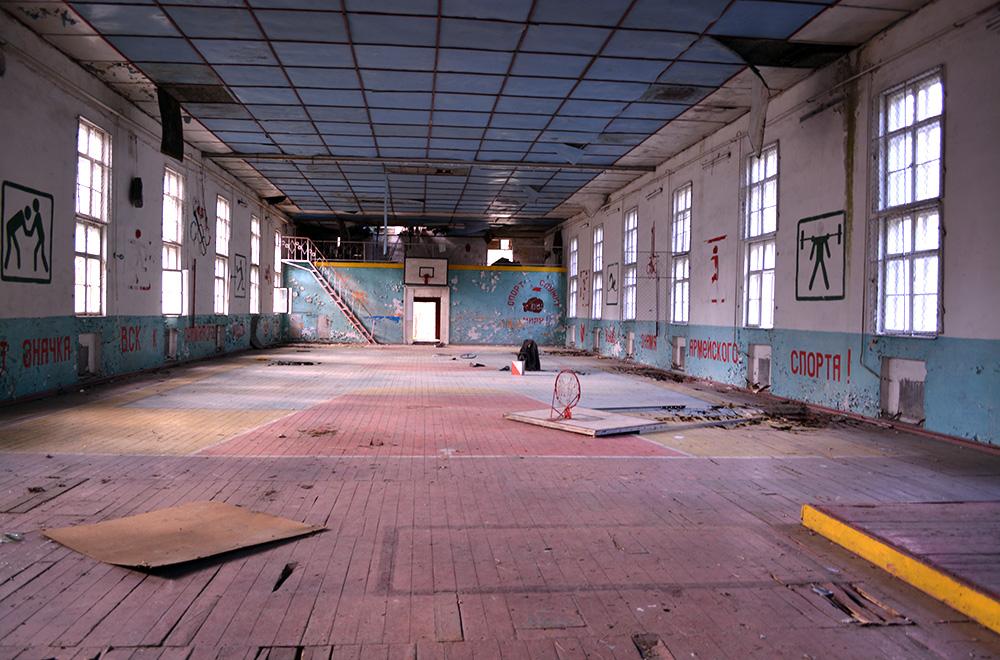 Abwanderung ist ein Problem in Brandenburg. Hier eine verlassene Sporthalle in der Uckermark. Foto: Pixabay/gemeinfrei