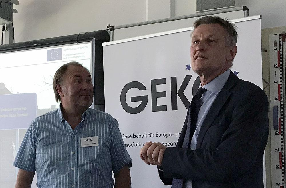 Egbert Holthuis (EU-Kommission) und Hans-Peter Hubert (GEKO) in Kleinmachnow